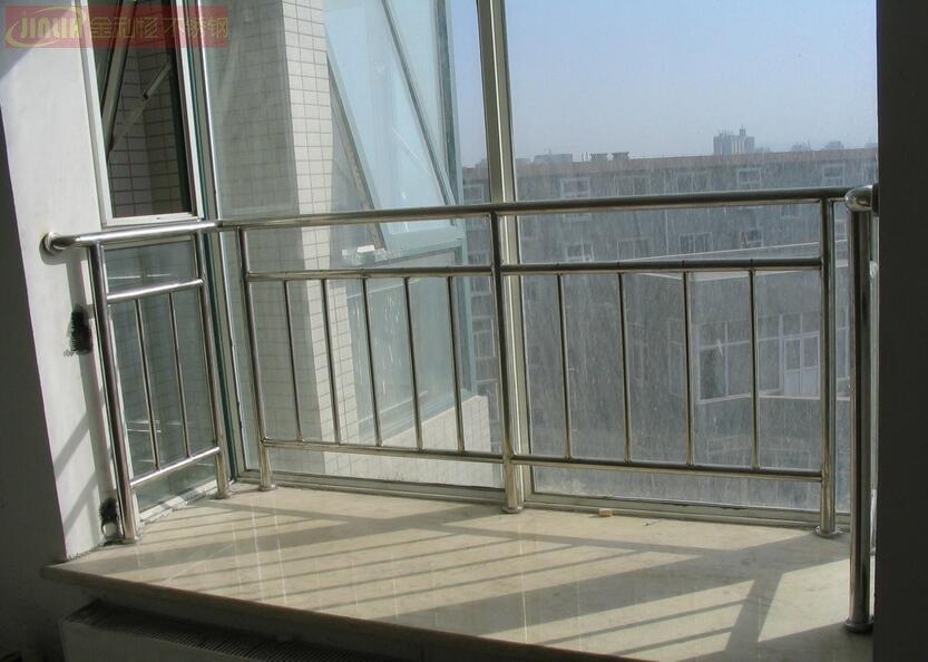 不锈钢阳台护栏厂家图片